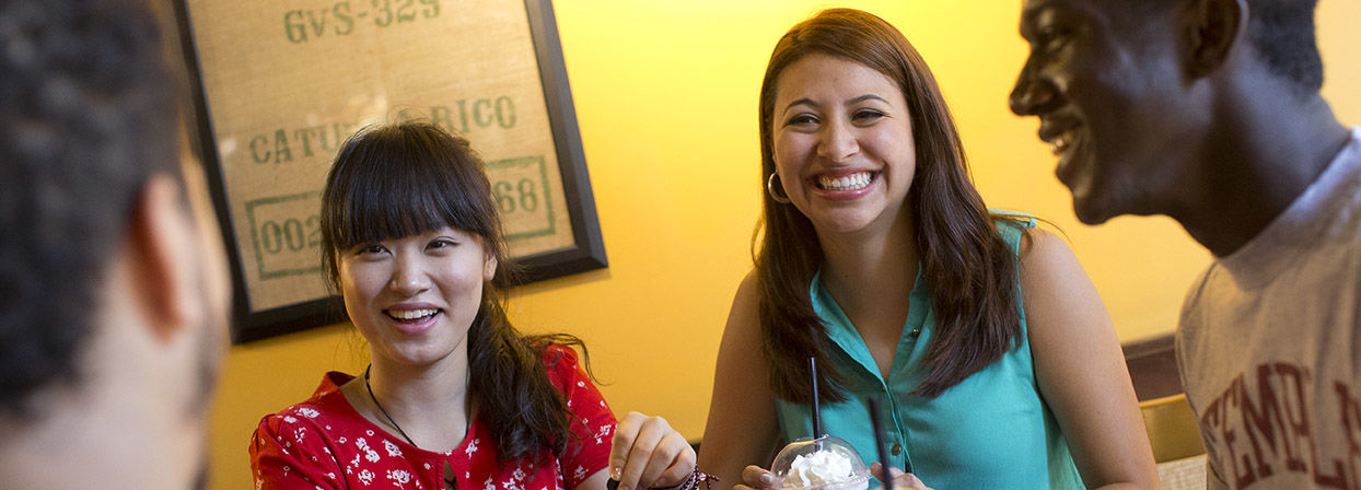 Students enjoy Temple University's dining options.